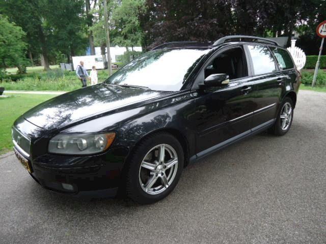 Volvo V50 2.4 Momentum 2005 clima cruise control !!