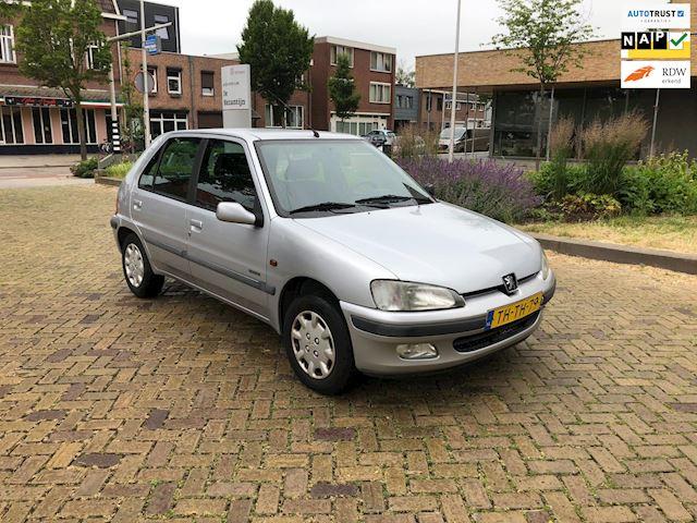 Peugeot 106 1.4 Accent Automaat