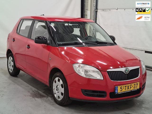 Skoda Fabia 1.2 Comfort/2009/5 deurs/149dkm!!/trekhaak/Zeer leuke auto/Inruil mogelijk.