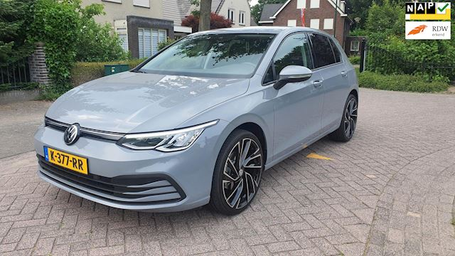 Volkswagen Golf 1.5 TSI Life Business