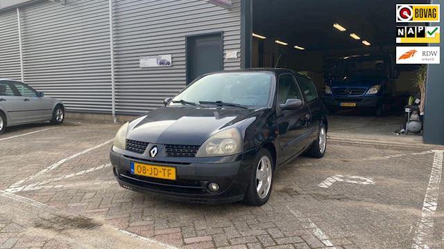 Renault Clio 1.4-16V Privilège climate controle lm-velgen electrische ramen trekhaak cd- speler
