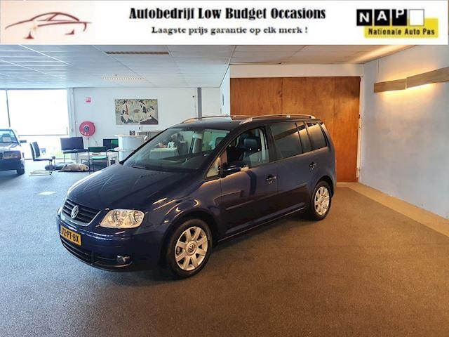Volkswagen Touran 2.0-16V FSI Highline,Apk Nw,Clima,Leder bekleding,Cruise control,Trekhaak,Lm Velgen,Topstaat!!