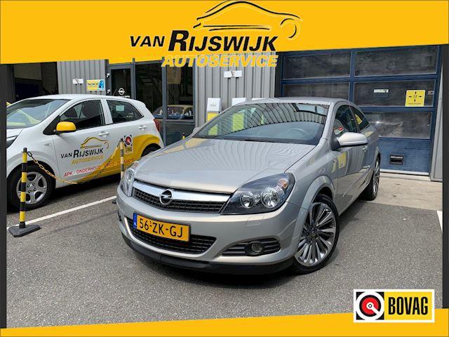 Opel Astra GTC 1.6 Executive