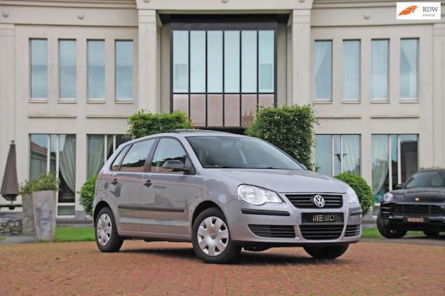 Volkswagen Polo 1.2 Trendline - airco - stoelverwarming - elektr. ramen -  Schuif/kantel dak
