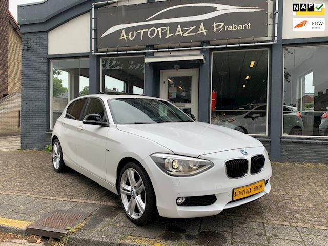 BMW 1-serie 118i Business /SPORT/ AUTOMAAT/ NAVI/ CRUISE/ XENON/ 18 INCH M VELGEN