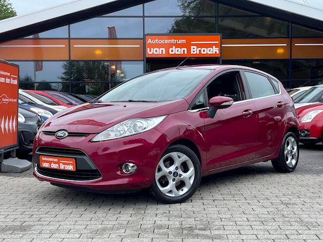 Ford Fiesta 1.6 Titanium 120PK 5Drs Climate Ctr Keyless Go Chroom Pakket Lmv Nieuwe Apk