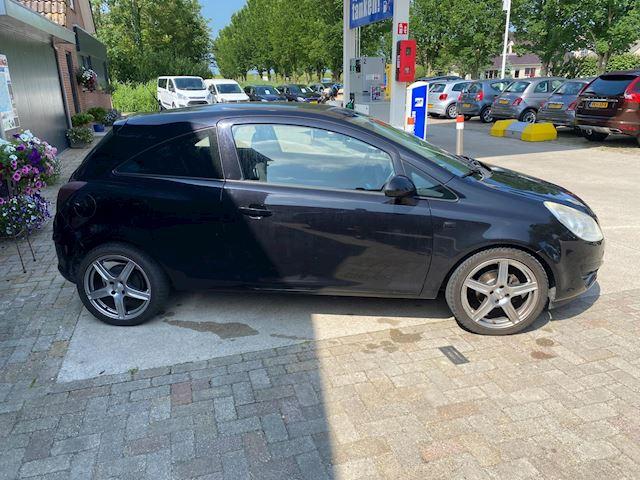 Opel Corsa 1.4-16V White Edition,nw apk,airco.