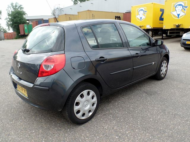 Renault Clio 1.2 TCE Business Line