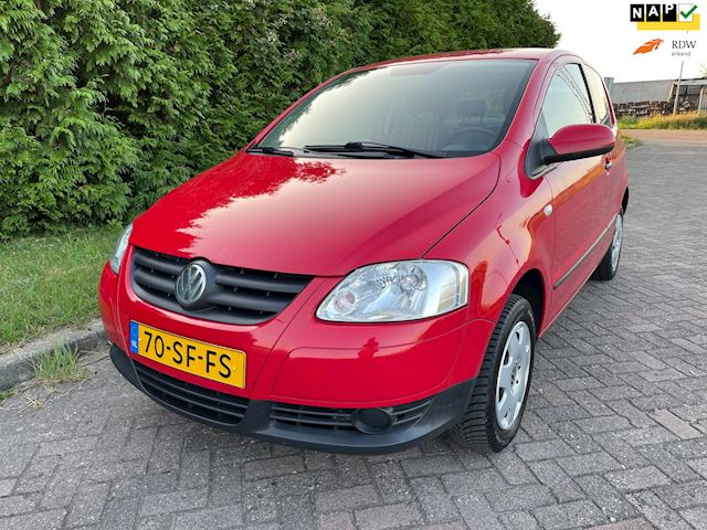 Volkswagen Fox 1.2 Trendline,Ferrari Rood,Bj 2005,2e Eigenaar,Stuurbekrachtiging,Zeer Zuinig