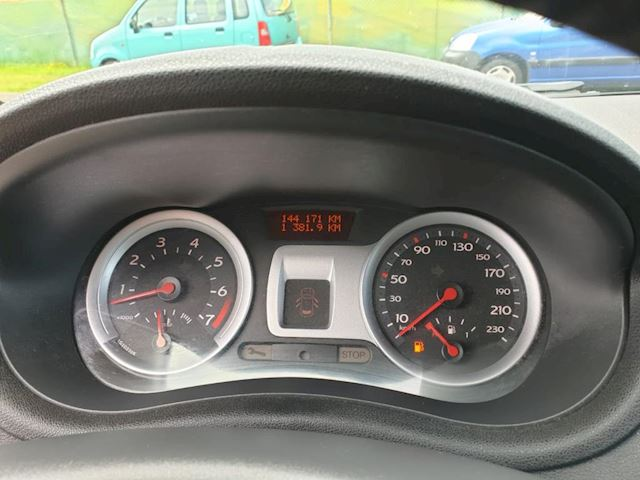 Renault Clio 1.4-16V Dynamique Luxe 3 deurs