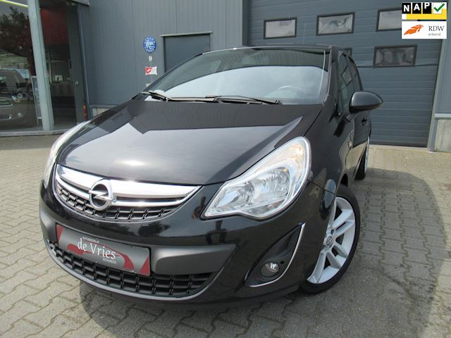 Opel Corsa 1.4-16V Cosmo Automaat / Navi / Airco / Stoelverw. / Fietsendrager / Pdc / Cruise / Lmv / Stuurverw.