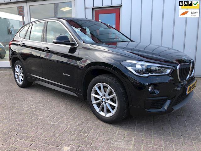 BMW X1 SDrive18i Centennial High Executive Leer/LED/NaviProf