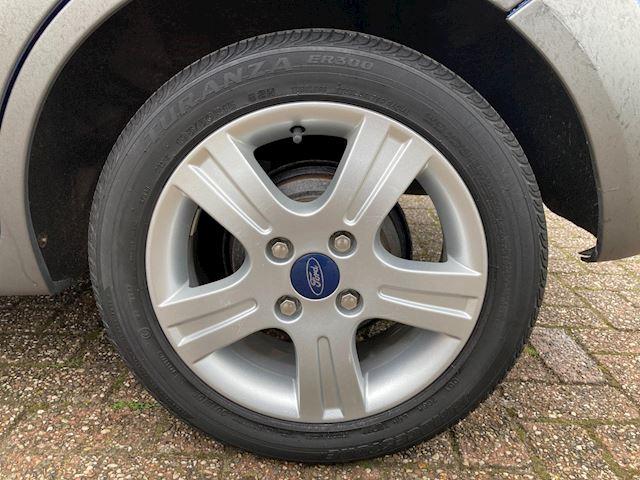 Ford Fiesta 1.4-16V Crossroad Airco