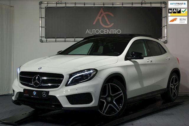 Mercedes-Benz GLA-klasse 200 AMG line / Panorama / Alcantara / Dodehoek / Navi