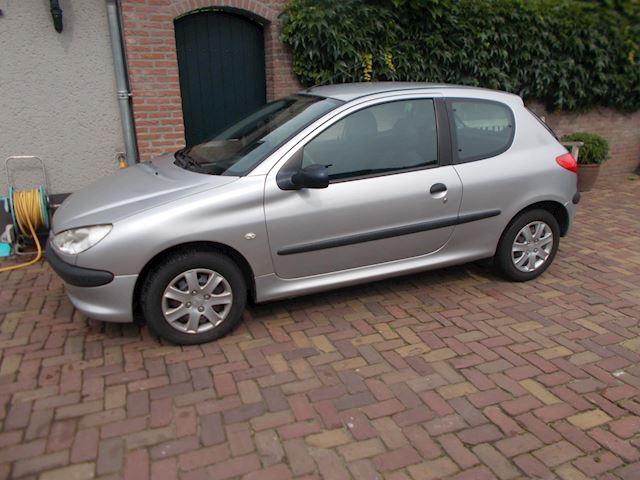 Peugeot 206 1.4 XR 108895 dkm  apk 16-4-22