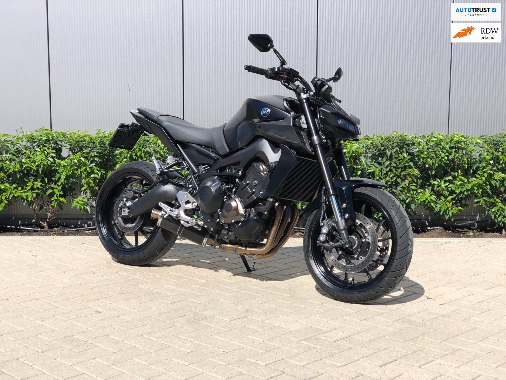 Yamaha MT-09 Tech Black geweldige staat leuke optielijst  occasion - Dutch Dream Bikes
