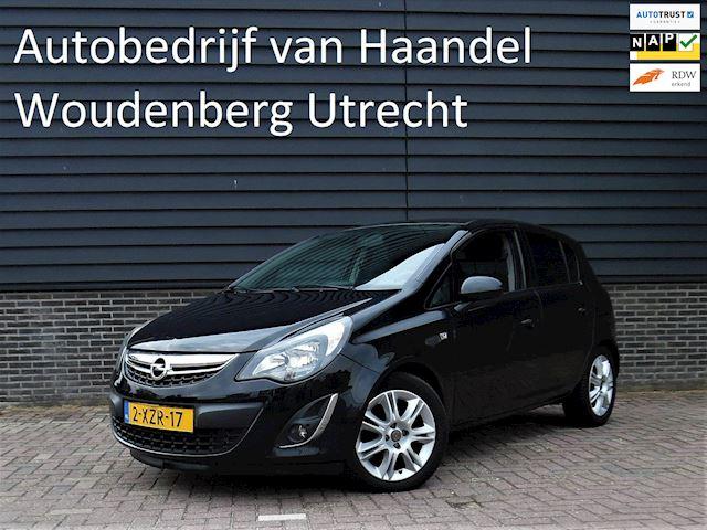 Opel Corsa 1.4-16V 5d BlitZ Navi Half Leder parkeersensoren