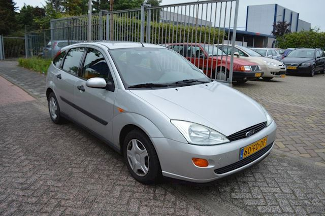 Ford Focus 1.6-16V Ambiente automaat