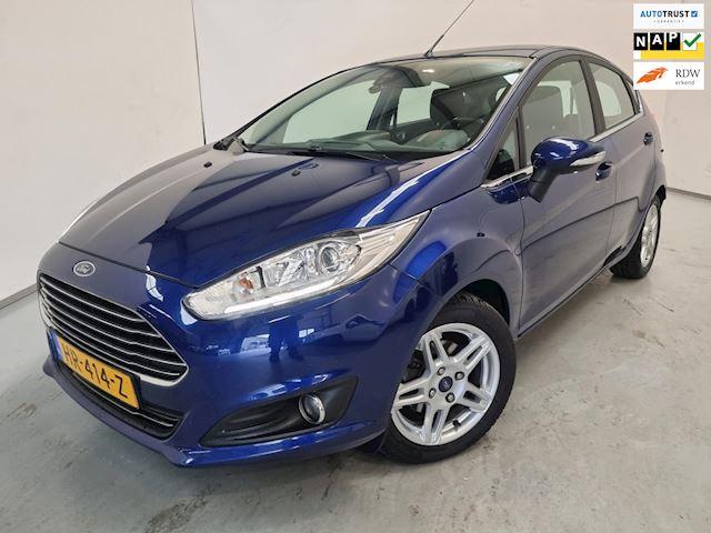 Ford Fiesta 1.5 TDCi Titanium / Airco / Navigatie / Parkeersensoren