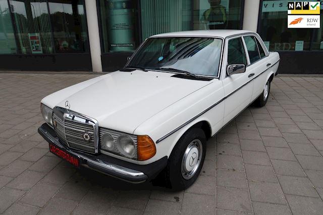 Mercedes-Benz 200 280 (W123) 230