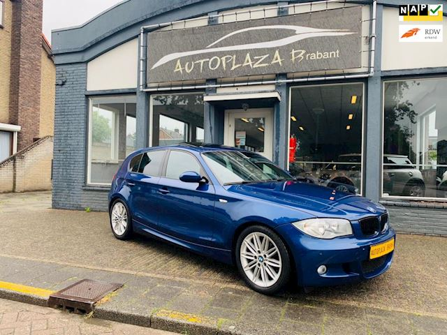 BMW 1-serie 116i High Executive/M PAKKET/ PANO/ CLIMA/ LEER/ CRUISE/ PDC/ STOELVERW/ 17 INCH