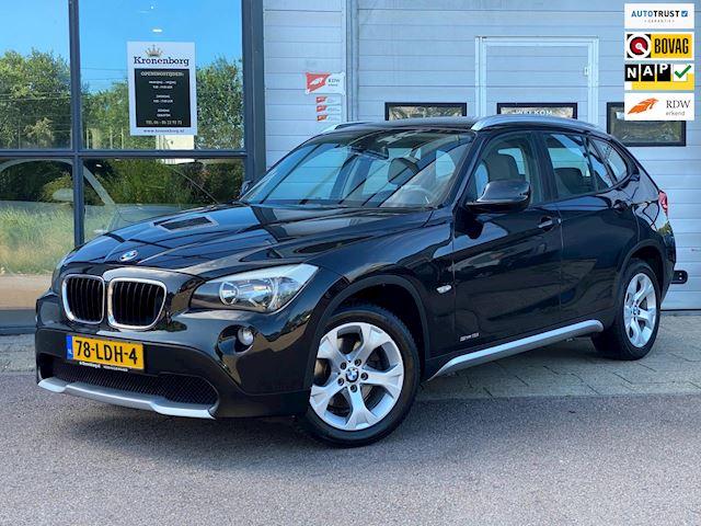 BMW X1 SDrive18i Executive, NAP, Trekhaak, CruiseC, Prachtig !