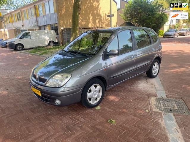 Renault Scénic AUTOMAAT / Digitale airco / Tweede eigenaar / Nieuw APK