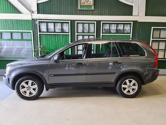 Volvo XC90 2.5 T Momentum 7P / Youngtimer / Automaat