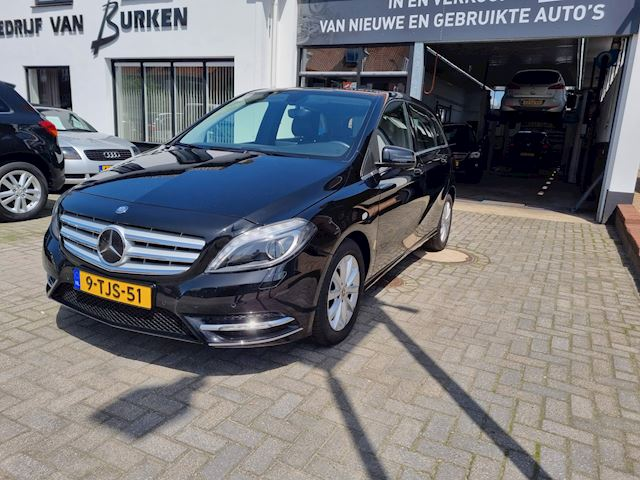Mercedes-Benz B-klasse 180 Ambition, Navigatie,Climate control, Cruise control, Parkeersensoren