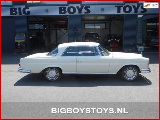 Mercedes-Benz W111 occasion - Big Boys Toys B.V.