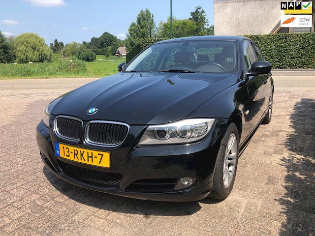 BMW 3-serie 320i Luxury Line / airco / navi / leder / apk  26-04-2022