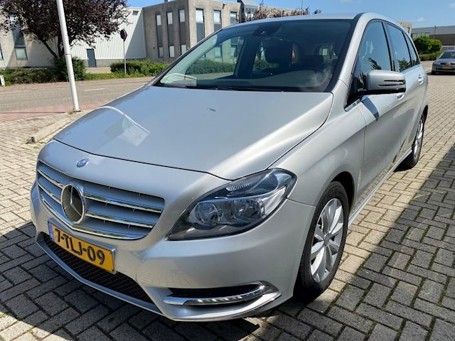 Mercedes-Benz B-klasse 180 Prestige Automaat! Hoge instap!