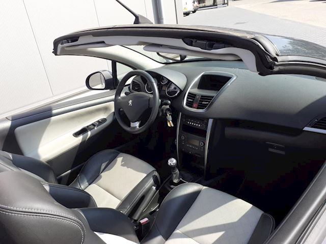 Peugeot 207 CC 1.6 VTi Roland Garros