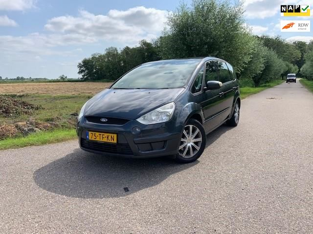Ford S-Max occasion - Favoriet Occasions
