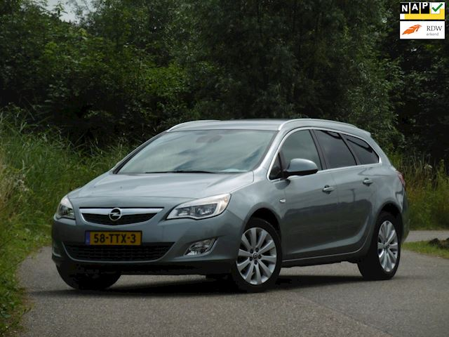 Opel Astra Sports Tourer occasion - Dunant Cars