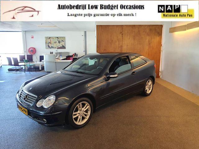 Mercedes-Benz C-klasse Sportcoupé 200 K. Apk Nieuw,2e Eigenaar Uniek,Cruise control,Navigatie,Pdc,Lm velgen,N.A.P,Topstaat!!