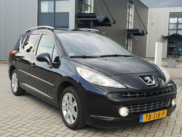 Peugeot 207 SW 1.6 HDIF XS Panorama dak. Zwart.