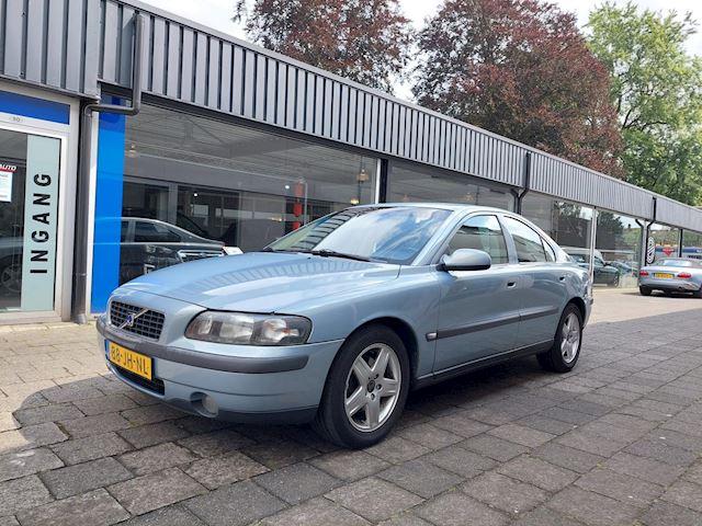Volvo S60 2.4 Automaat/Nieuwe apk/Clima/Cruise/Trekhaak /Half leer/16