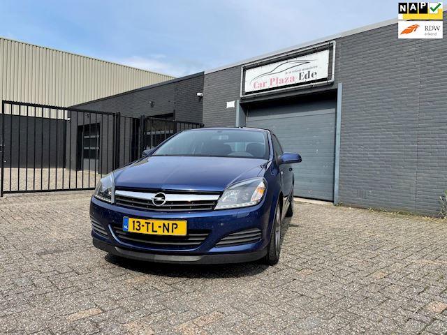 Opel Astra GTC 1.6 Edition Airco Cruise Elek. Pakket LM-Wielen Trekhaak APK NAP.