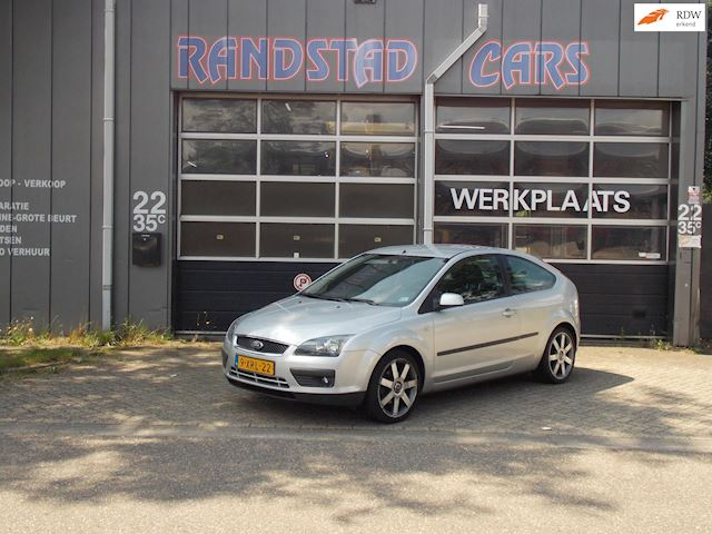 Ford Focus 1.6-16V Trend Automaat Airco zeer nette auto