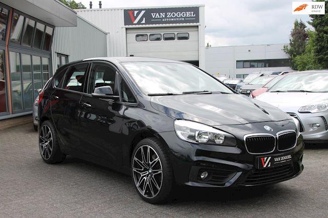 BMW 2-serie Active Tourer 218i Essential Navigatie / Airco