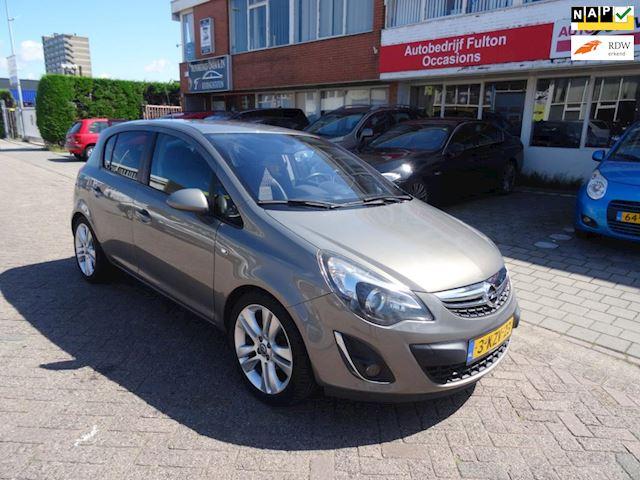 Opel Corsa 1.4-16V Cosmo/5drs/Airco/Navi/PDC/LMV17