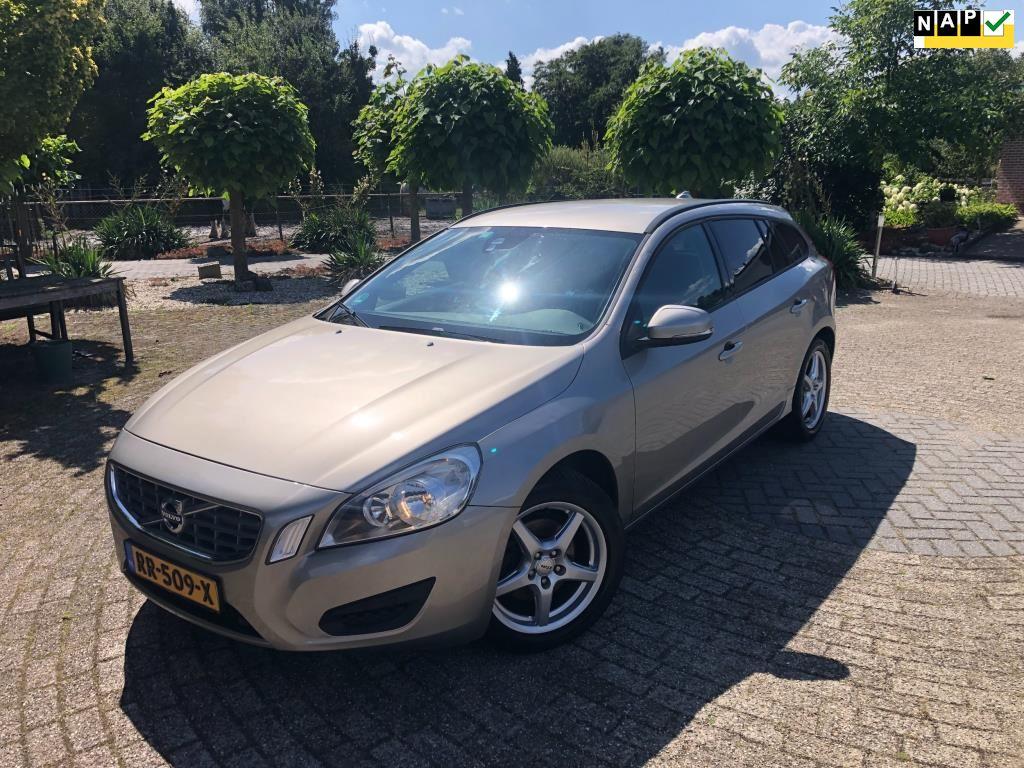 Volvo V60 occasion - Autobedrijf Stronkhorst