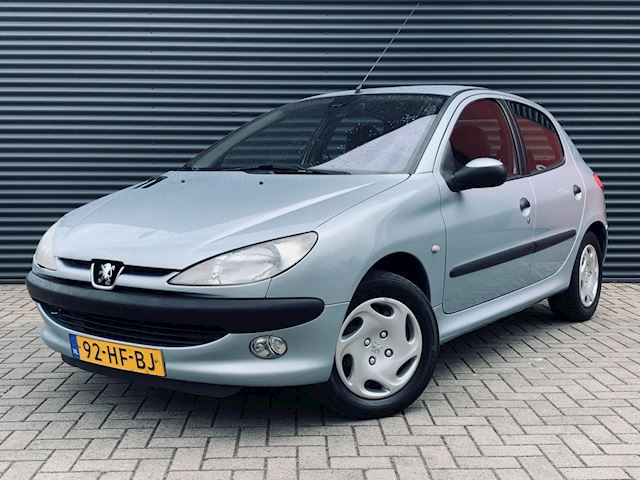 Peugeot 206 1.6-16V Gentry, Climate control, Cruise control.