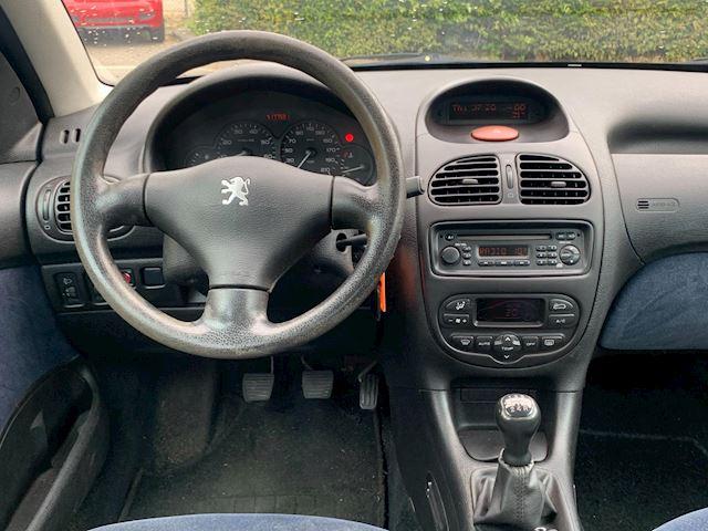 Peugeot 206 1.6-16V Gentry