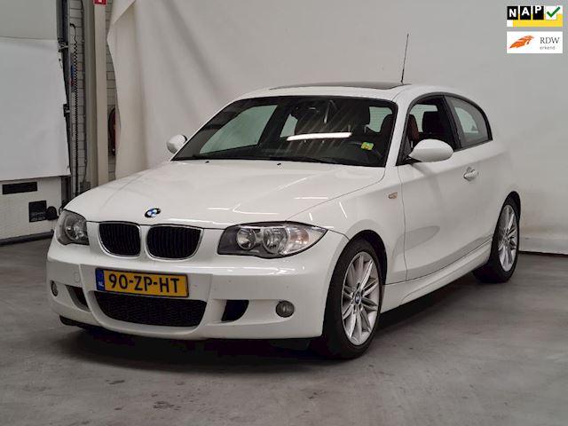 BMW 1-serie 120i High Executive NAP I M-PAKKET I LEER SPORT STEOELEN I DAKRAAM I NETTE AUTO