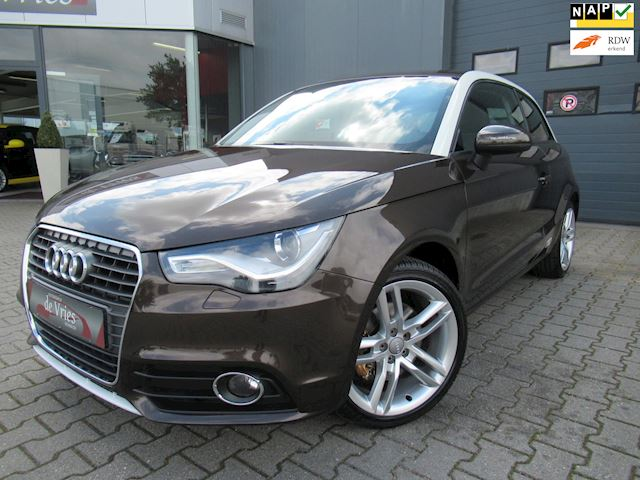 Audi A1 1.4 TFSI 123PK Ambition / Cruise / Xenon / M-F Stuur / Stoelverw. / LMV