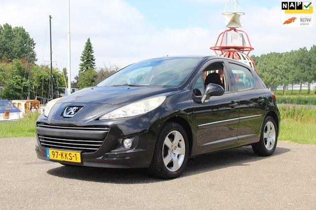 Peugeot 207 1.6 VTi Première *Navigatie !
