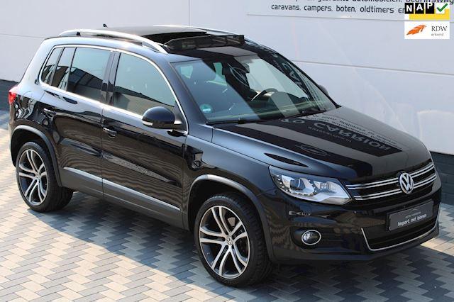 Volkswagen Tiguan 1.4 TSI R-Line dealer onderhouden panodak !