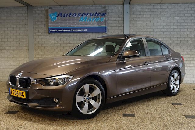 BMW 3-serie 316i Edition, Automaat, 136 PK,  PDC, airco, schuifdak, cruise, 17 inch LM, weinig KM